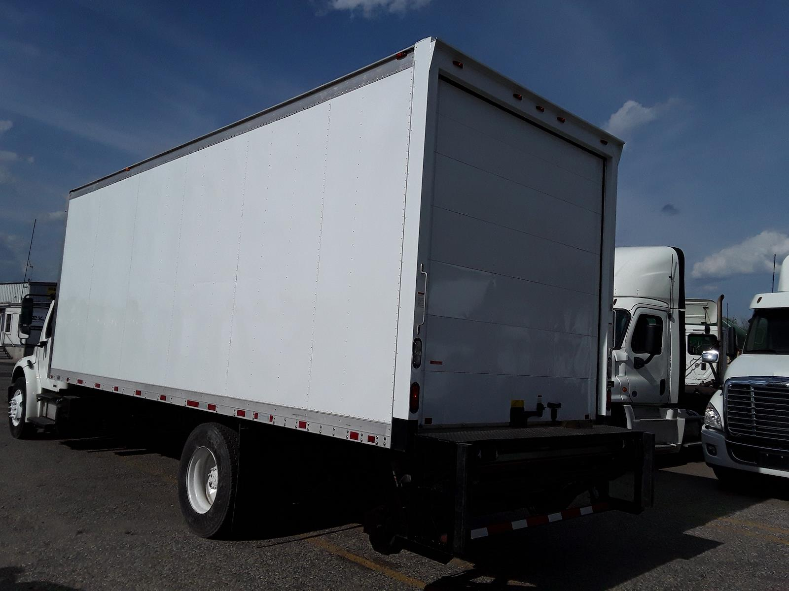 2012 Freightliner Truck 4x2, Dry Freight #423386 - photo 1