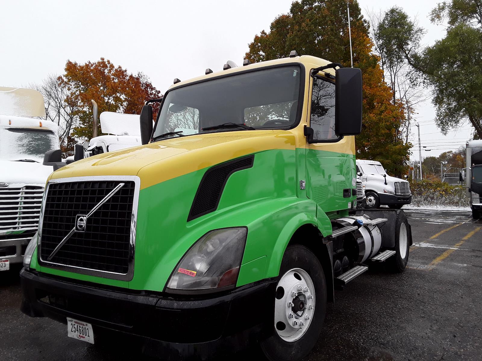 2013 Volvo VNL 4x2, Tractor #507670 - photo 1