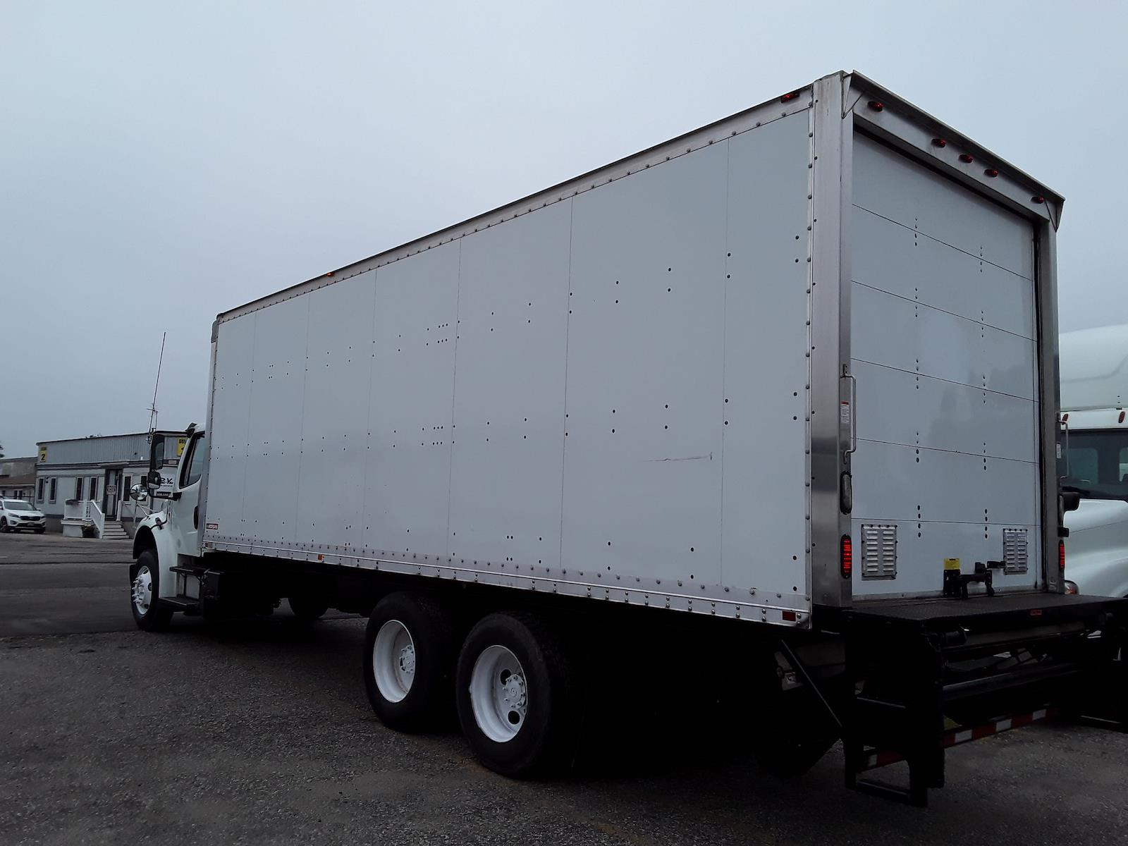 2014 Freightliner M2 106 6x4, Dry Freight #536415 - photo 1
