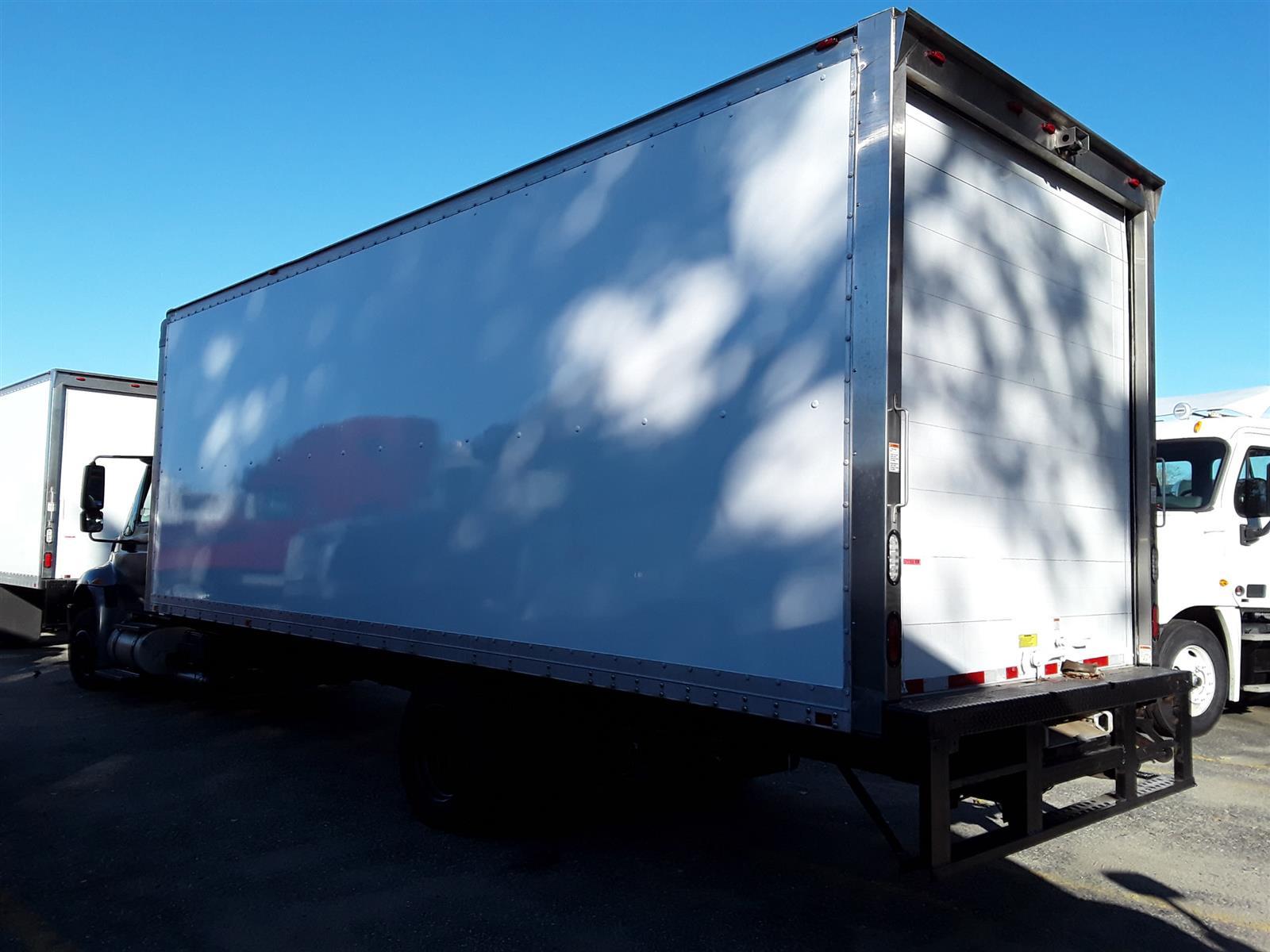 2015 International DuraStar 4300 4x2, Dry Freight #571366 - photo 1
