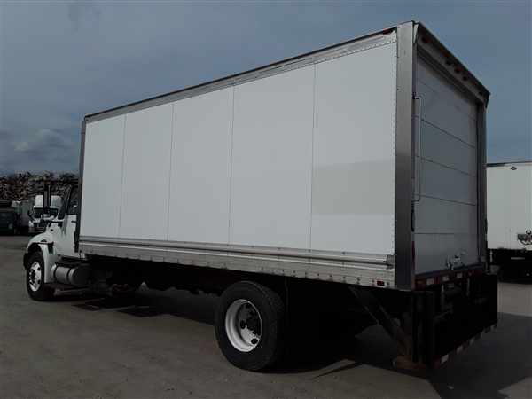 2013 International DuraStar 4300 4x2, Dry Freight #490076 - photo 1