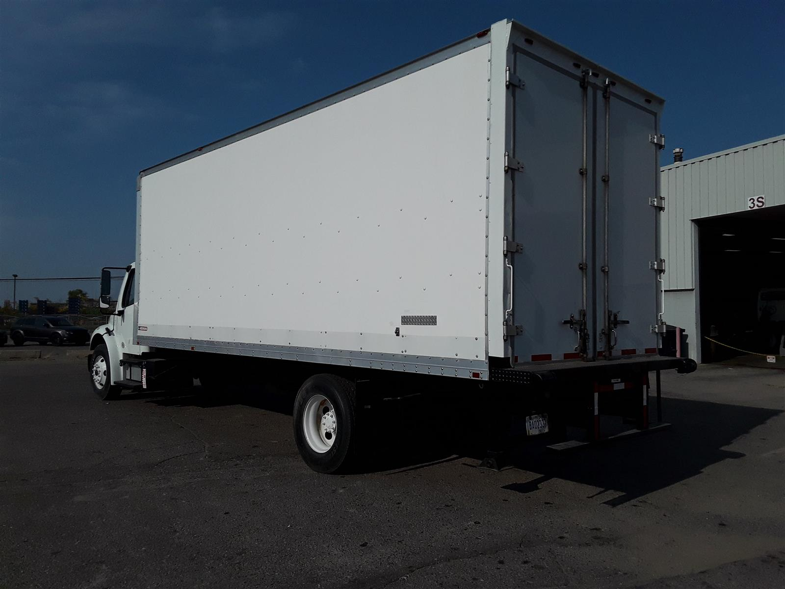 2014 Freightliner Truck 4x2, Dry Freight #536439 - photo 1