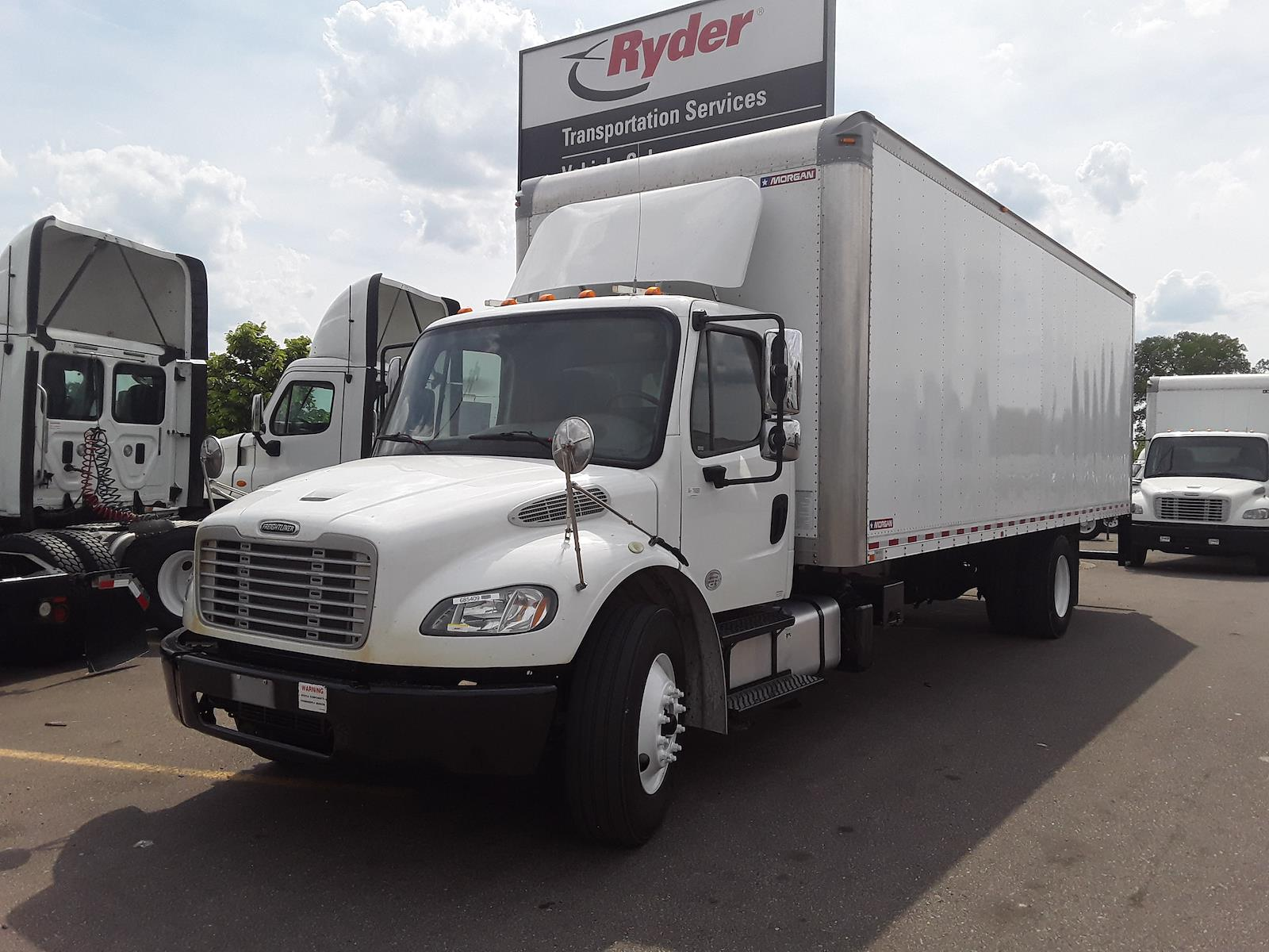 2018 Freightliner M2 106 4x2, Dry Freight #685409 - photo 1