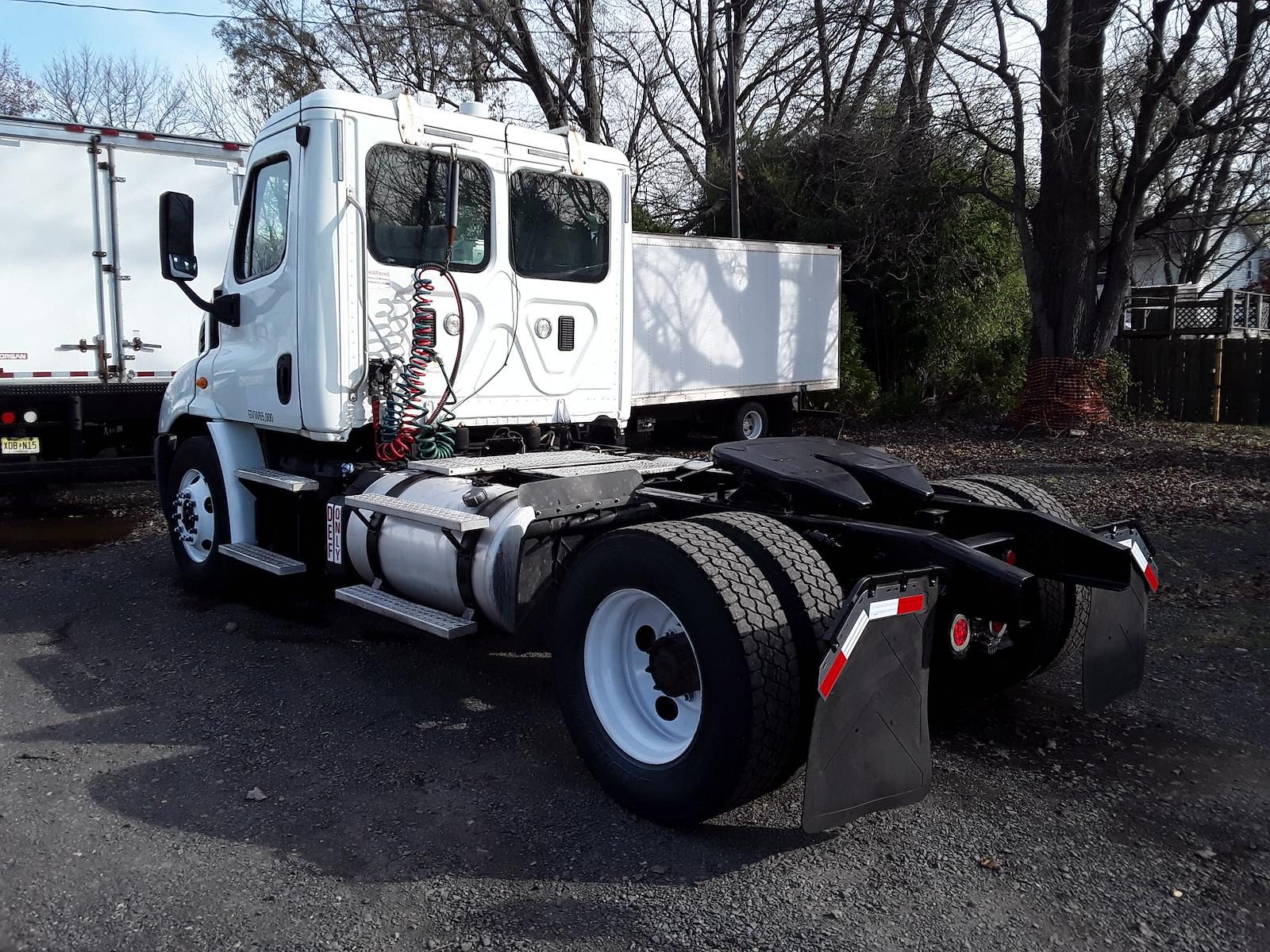 2013 Freightliner Truck 4x2, Tractor #473165 - photo 1