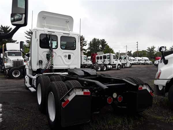 2013 Freightliner Truck 6x4, Tractor #497877 - photo 1