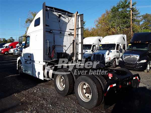 2014 Volvo VNL 6x4, Tractor #530534 - photo 1