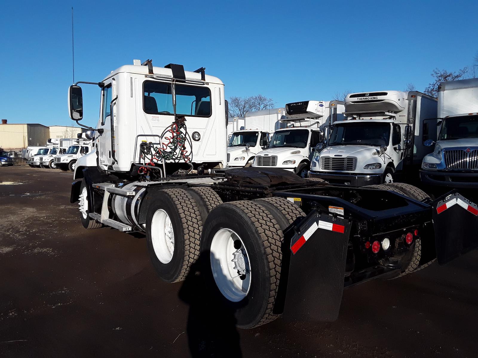 2014 Mack CXU613, Tractor #539657 - photo 1