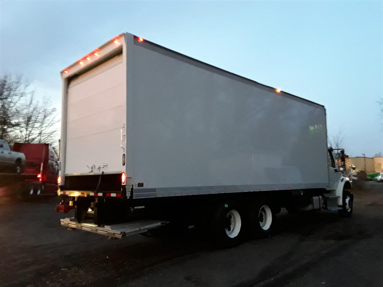2014 Freightliner M2 106 6x4, Dry Freight #548935 - photo 4