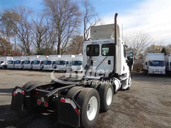 2015 Freightliner Truck 6x4, Tractor #563938 - photo 1