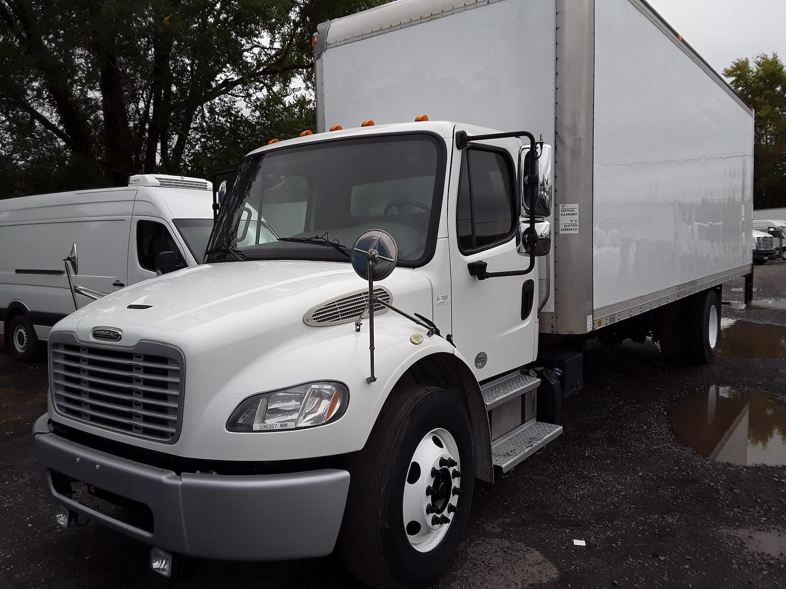 2015 Freightliner M2 106 4x2, Dry Freight #596357 - photo 1
