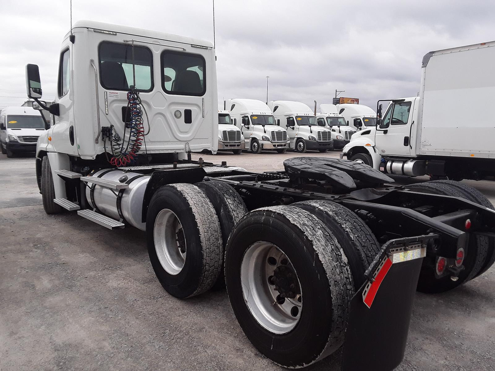 2016 Freightliner Cascadia 6x4, Tractor #374256 - photo 1