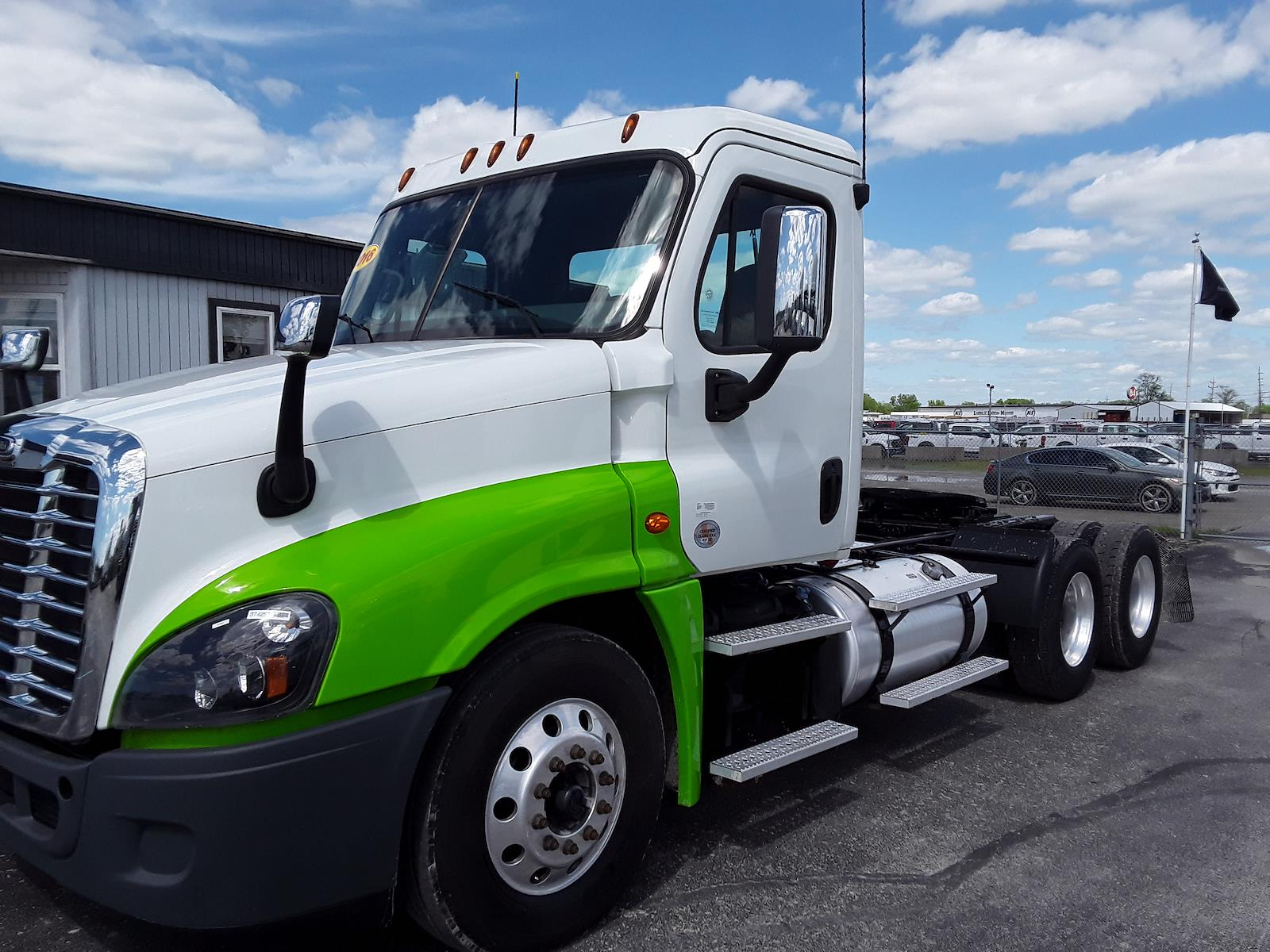 2016 Freightliner Cascadia 6x4, Tractor #374257 - photo 1