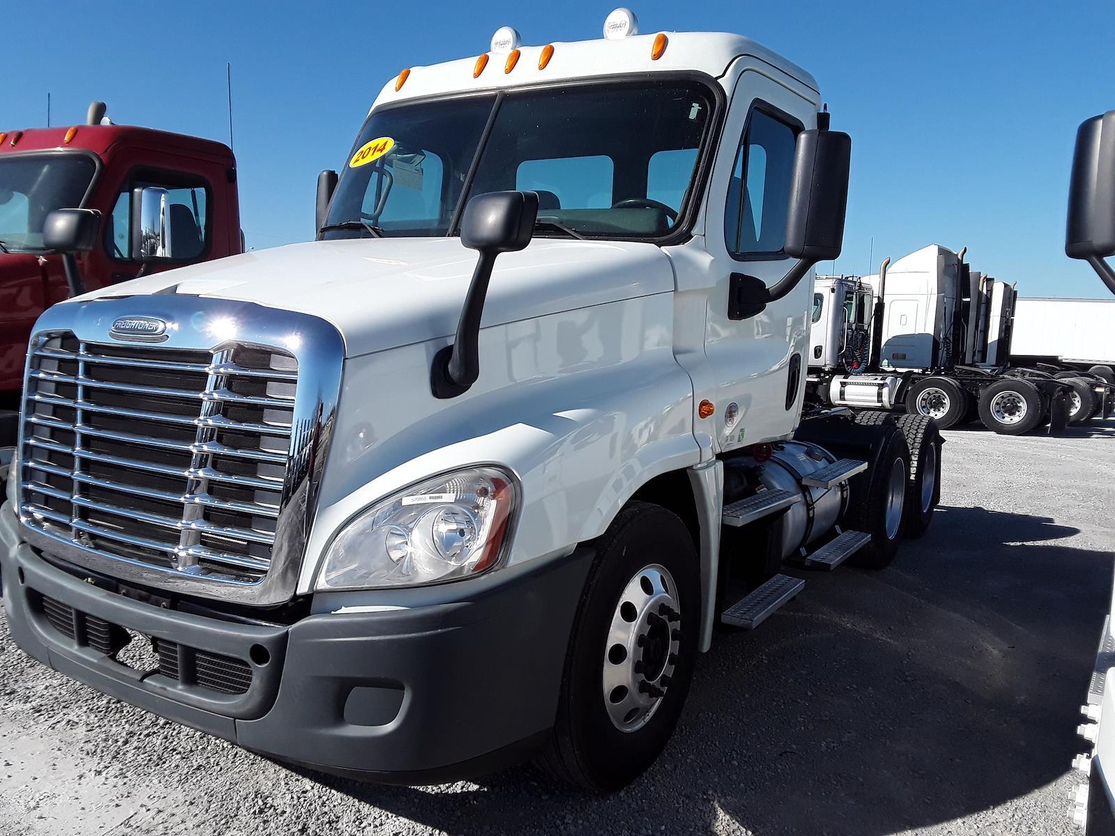 2014 Freightliner Truck 6x4, Tractor #529855 - photo 1
