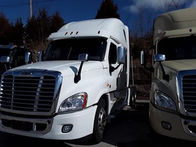 2018 Freightliner Cascadia 6x4, Tractor #222860 - photo 3