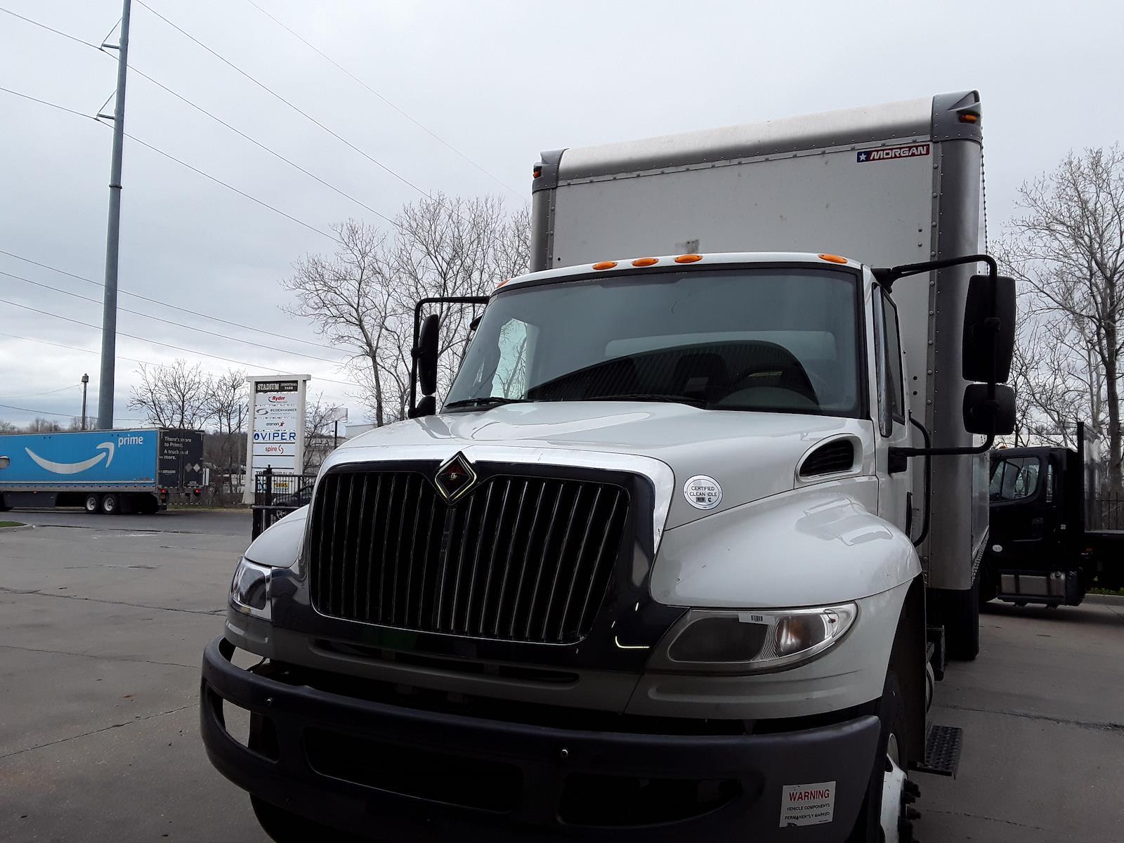 2015 International DuraStar 4300 4x2, Dry Freight #350451 - photo 3