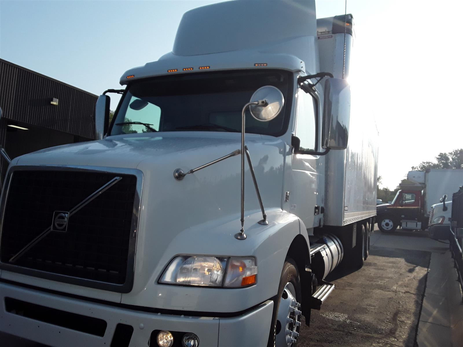 2014 Volvo VNM 6x4, Dry Freight #518659 - photo 1