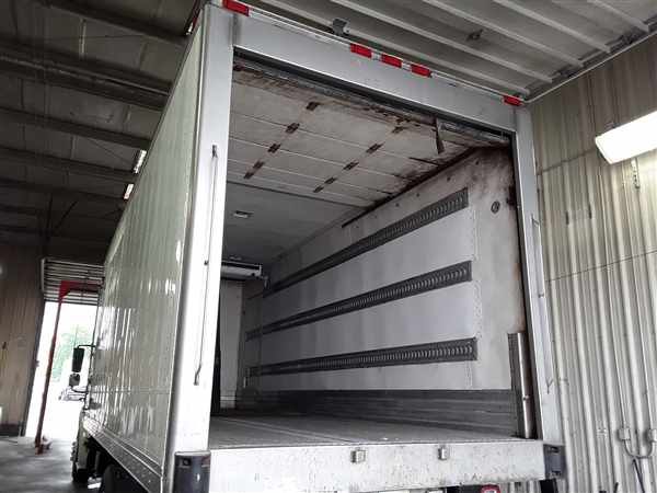 2014 Freightliner Truck 4x2, Refrigerated Body #534613 - photo 1