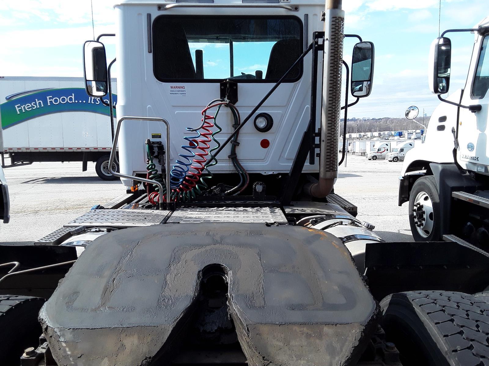 2014 Mack CXU612, Tractor #539441 - photo 1
