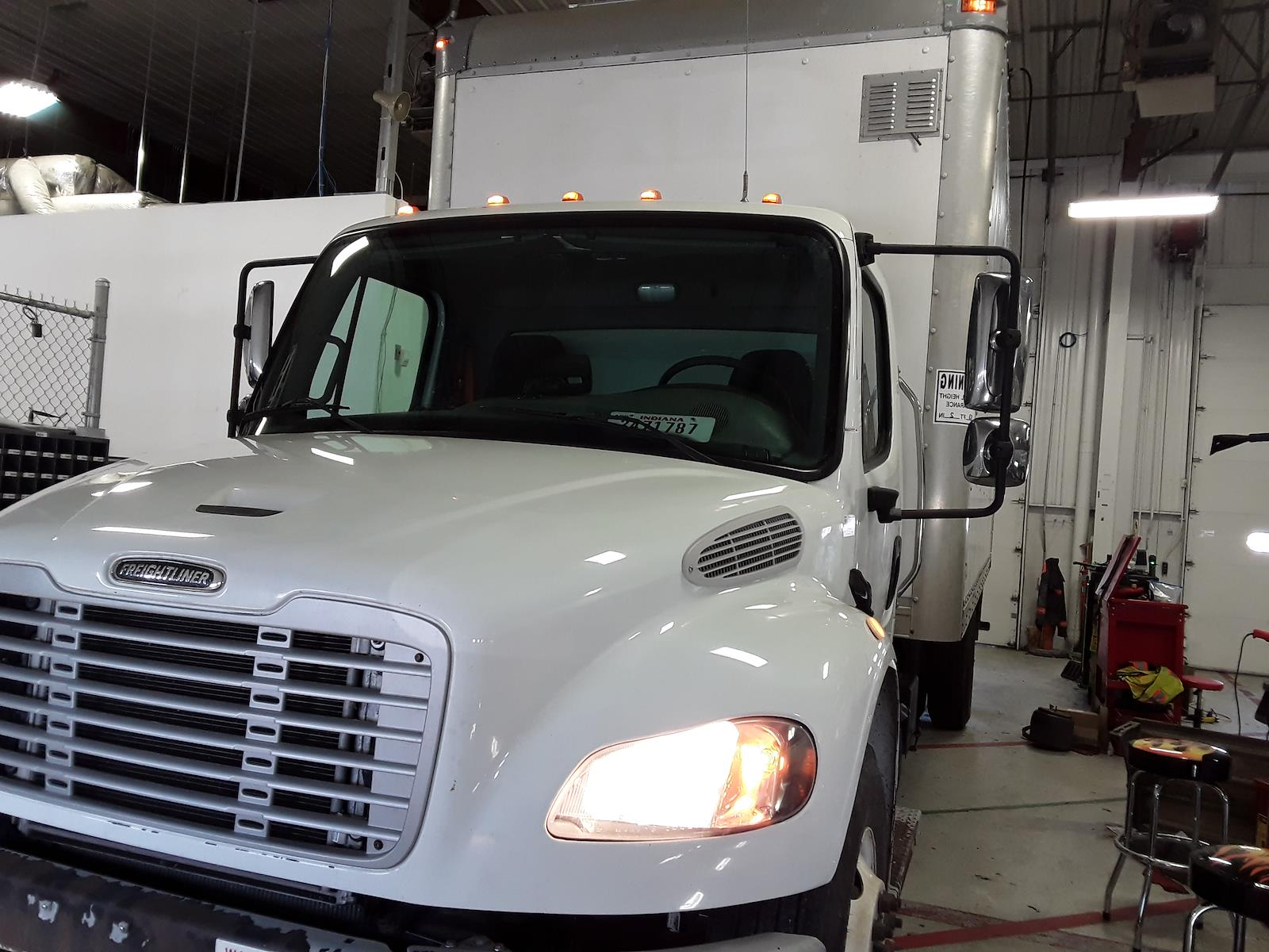2016 Freightliner M2 106 4x2, Dry Freight #653683 - photo 1