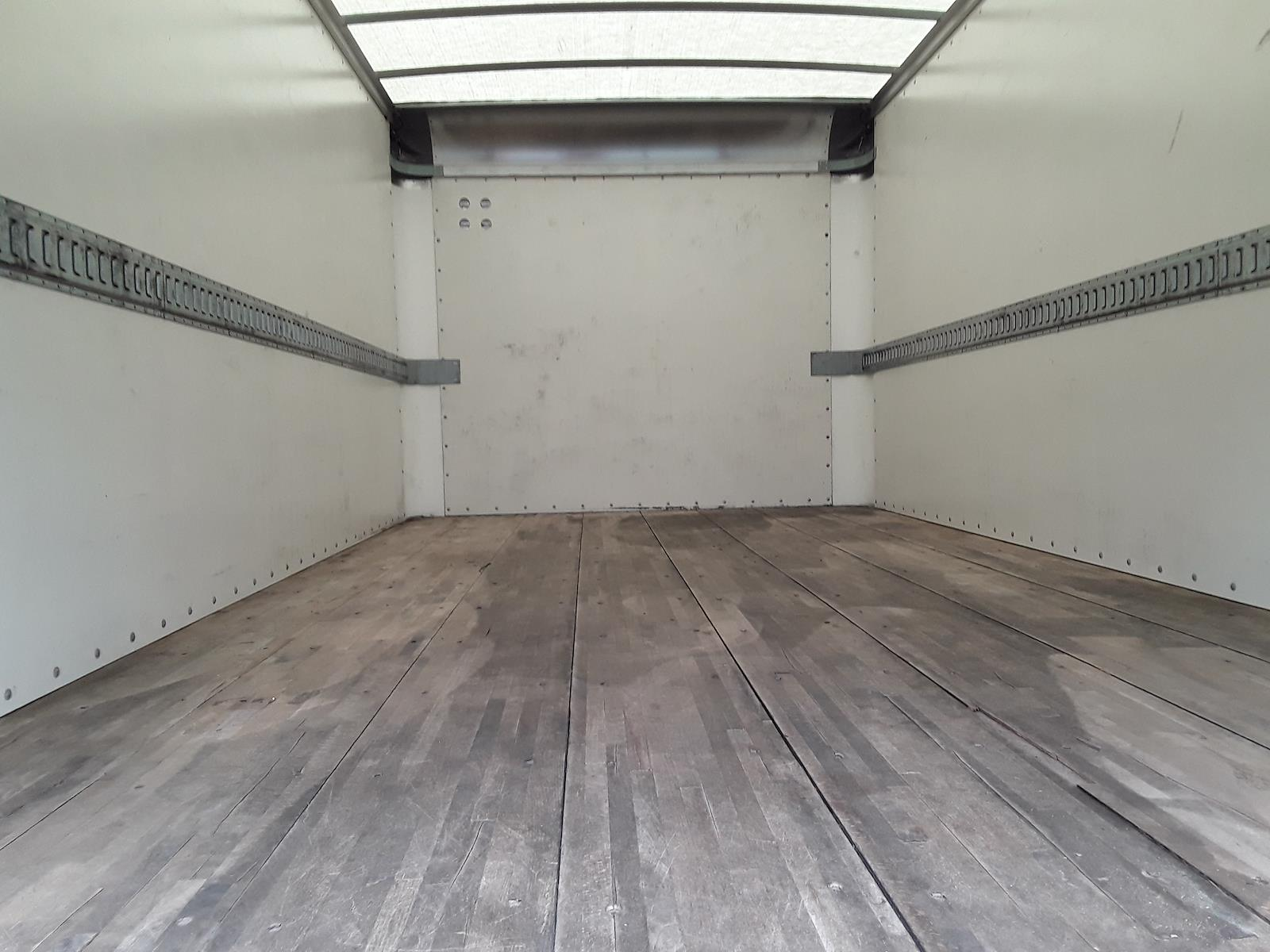 2016 Isuzu NPR Regular Cab 4x2, Dry Freight #683133 - photo 4