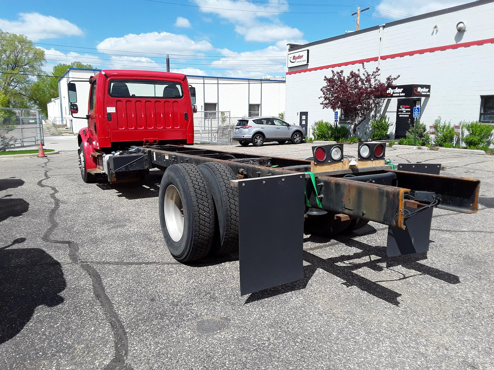 2015 Freightliner M2 106 4x2, Cab Chassis #315476 - photo 1