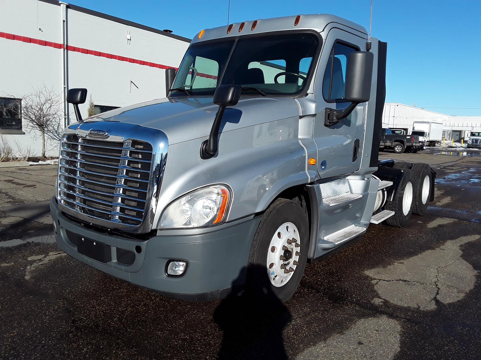 2014 Freightliner Cascadia 6x4, Tractor #536831 - photo 1