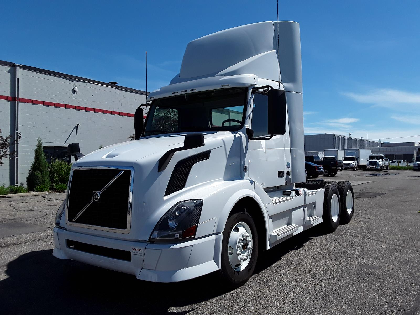 2015 Volvo VNL 6x4, Tractor #562191 - photo 1