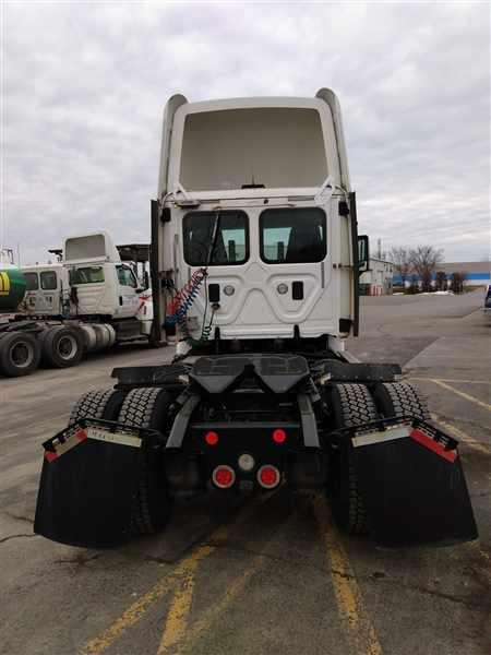 2013 Freightliner Truck 4x2, Tractor #494716 - photo 1