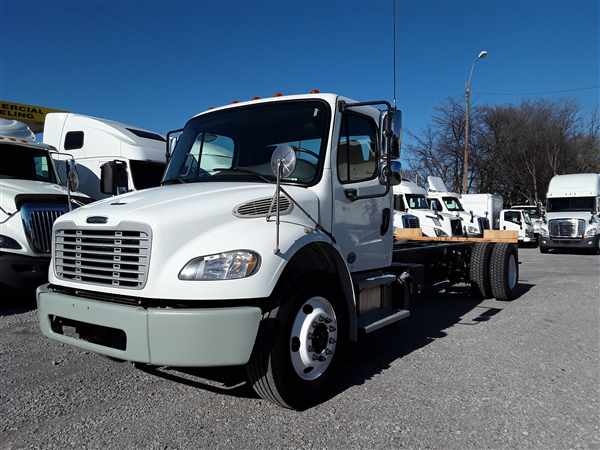 2014 Freightliner M2 106 4x2, Cab Chassis #522353 - photo 1