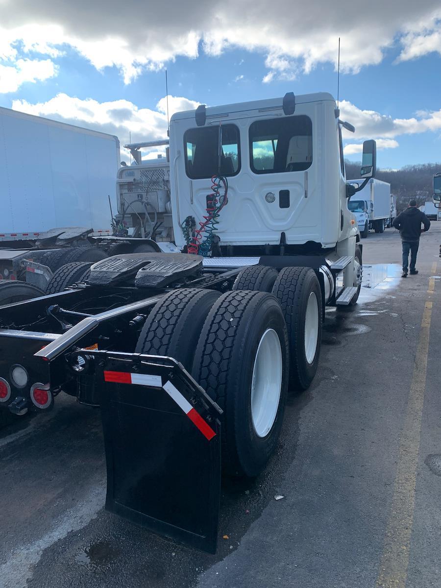 2015 Freightliner Truck 6x4, Tractor #566045 - photo 1