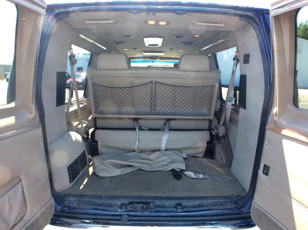 2007 Ford E-150 4x2, Passenger Wagon #RP166A - photo 1