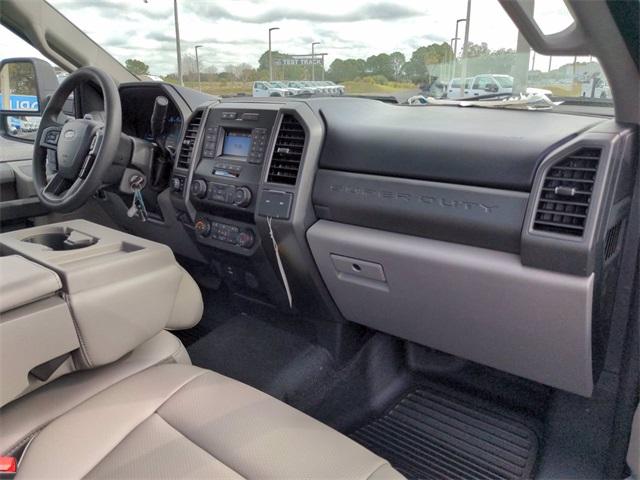2020 Ford F-550 Regular Cab DRW 4x4, Reading Platform Body #FL13991 - photo 13