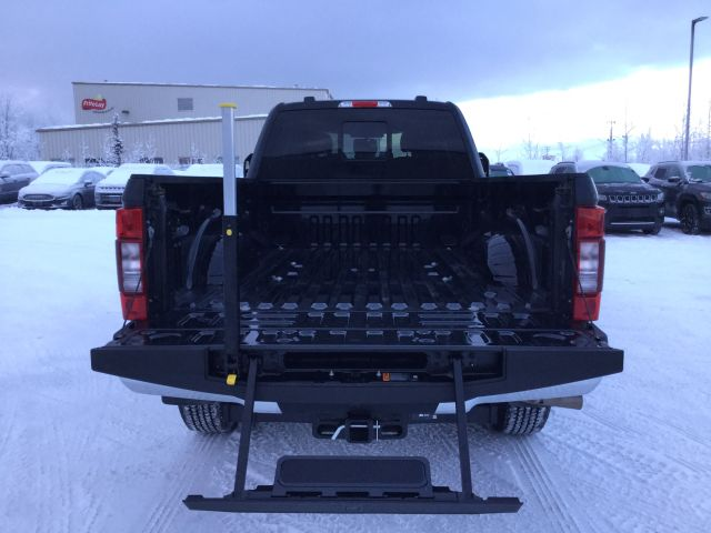 2020 Ford F-350 Crew Cab 4x4, Pickup #JEC1184 - photo 13