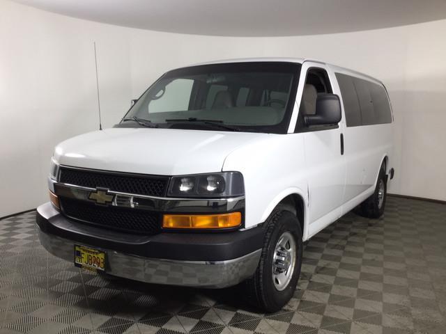 2007 Chevrolet Express 3500 4x2, Passenger Wagon #JF15976A - photo 1