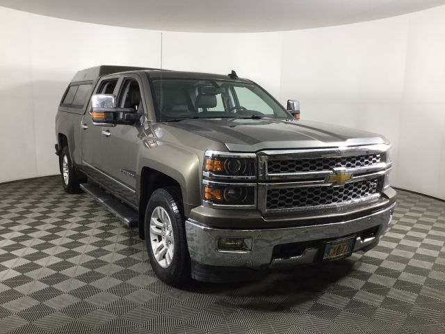 2015 Chevrolet Silverado 1500 Crew Cab 4x4, Pickup #JF16663A - photo 3
