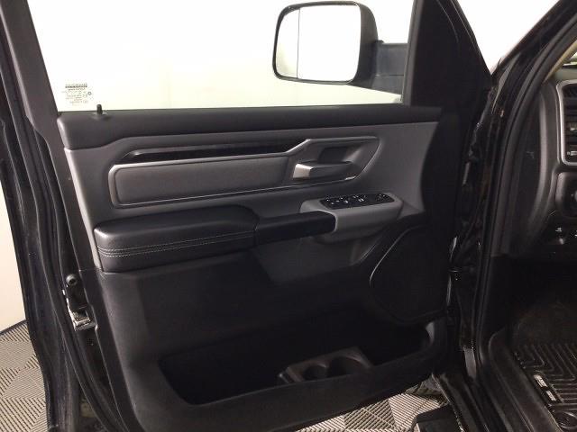 2019 Ram 1500 Crew Cab 4x4, Pickup #JF17406A - photo 8