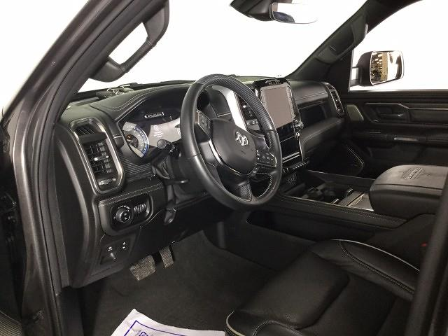 2019 Ram 1500 Crew Cab 4x4, Pickup #JF17562A - photo 9