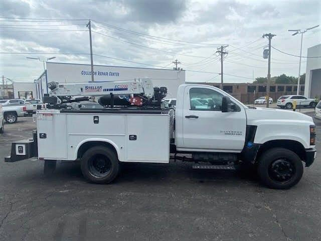 2019 Chevrolet Silverado Medium Duty Regular Cab DRW 4x2, 9 foot crane body #C191027 - photo 18