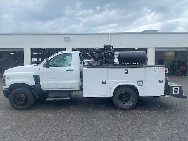 2019 Chevrolet Silverado Medium Duty Regular Cab DRW 4x2, 9 foot crane body #C191027 - photo 8