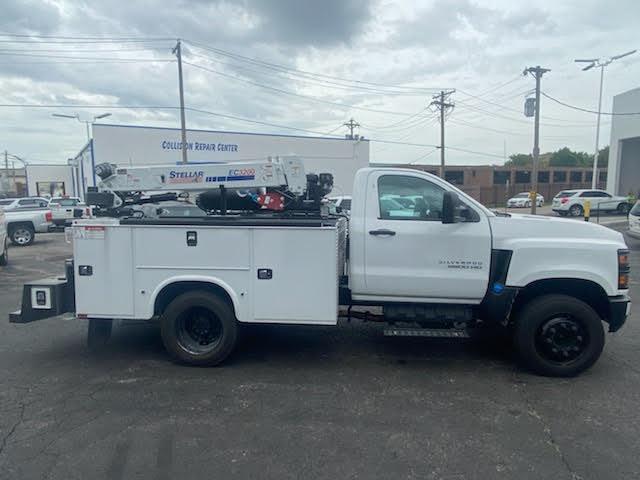 2019 Chevrolet Silverado Medium Duty Regular Cab DRW 4x2, 9 foot crane body #C191027 - photo 4