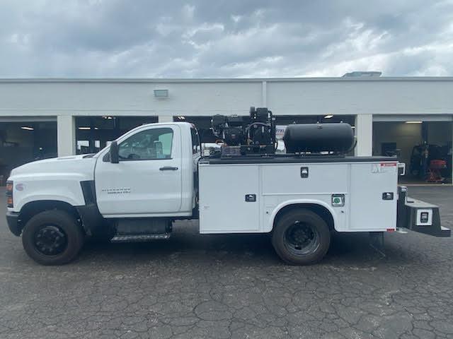 2019 Chevrolet Silverado Medium Duty Regular Cab DRW 4x2, 9 foot crane body #C191027 - photo 7