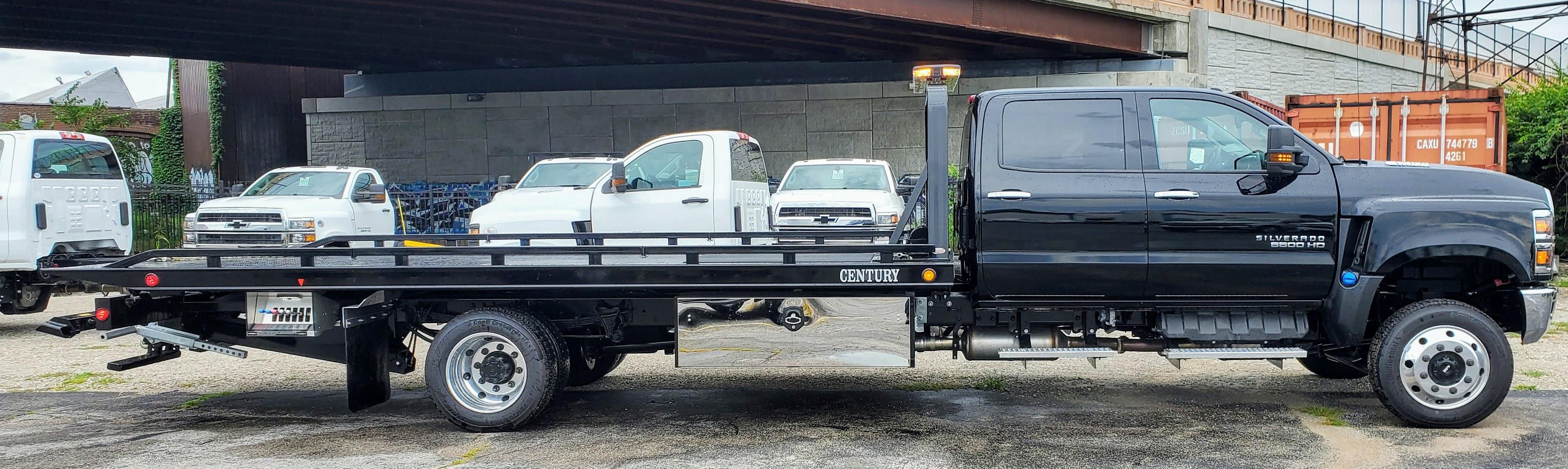 2020 Chevrolet Silverado Medium Duty Crew Cab DRW 4x4, 19 Foot Carrier Body #200479 - photo 3