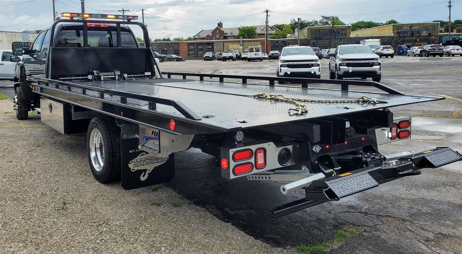 2020 Chevrolet Silverado Medium Duty Crew Cab DRW 4x4, 19 Foot Carrier Body #200479 - photo 5