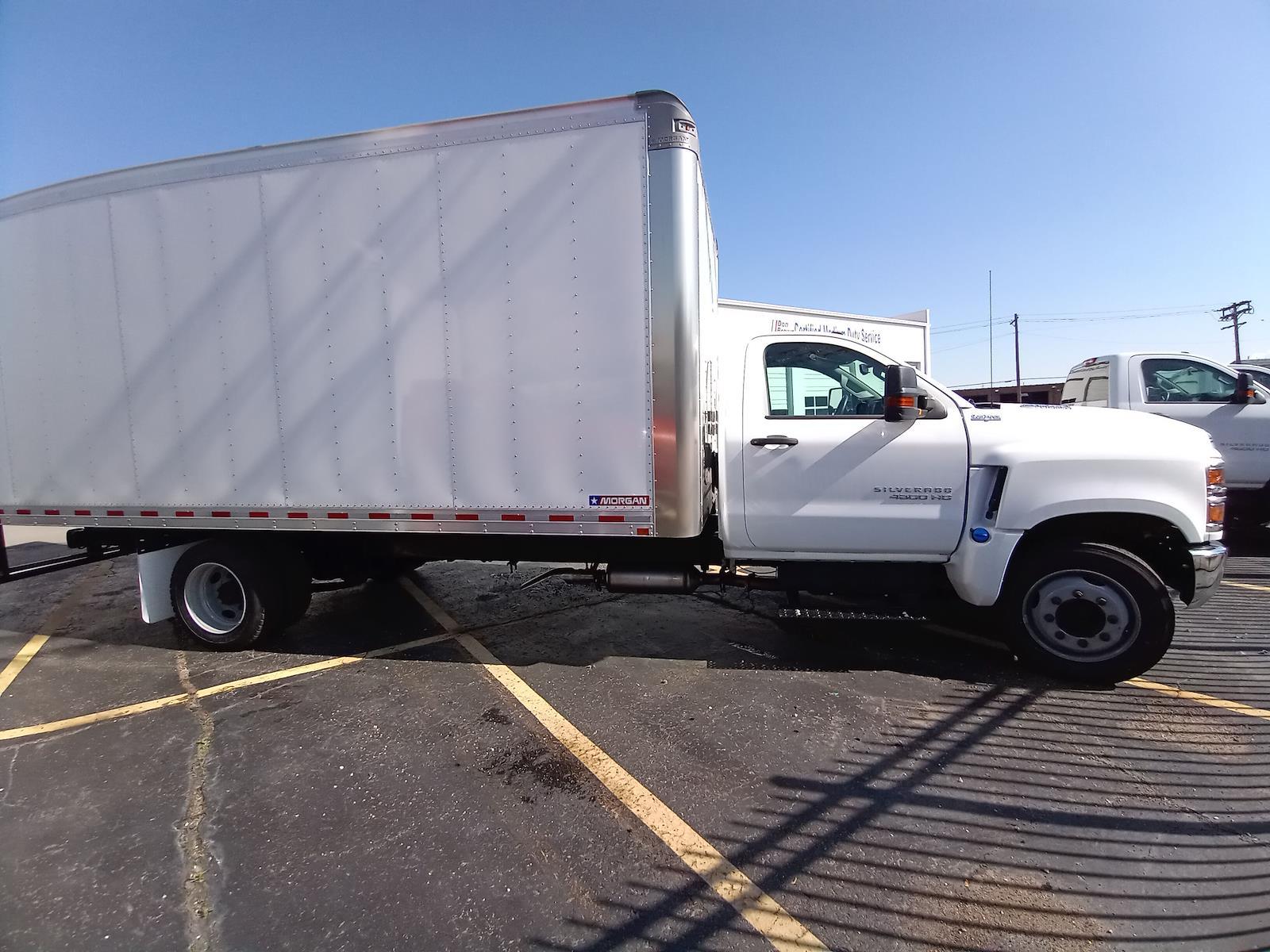 2020 Chevrolet Silverado 4500 Regular Cab DRW 4x2, Morgan Gold Star Dry Freight #C200547 - photo 4