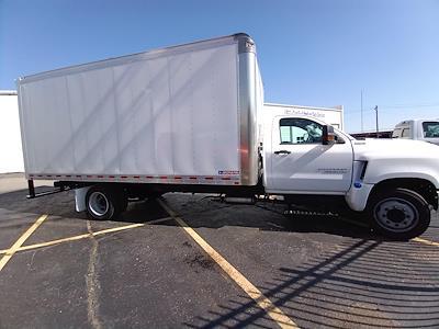 2020 Chevrolet Silverado 4500 Regular Cab DRW 4x2, Morgan Gold Star Dry Freight #C200547 - photo 3