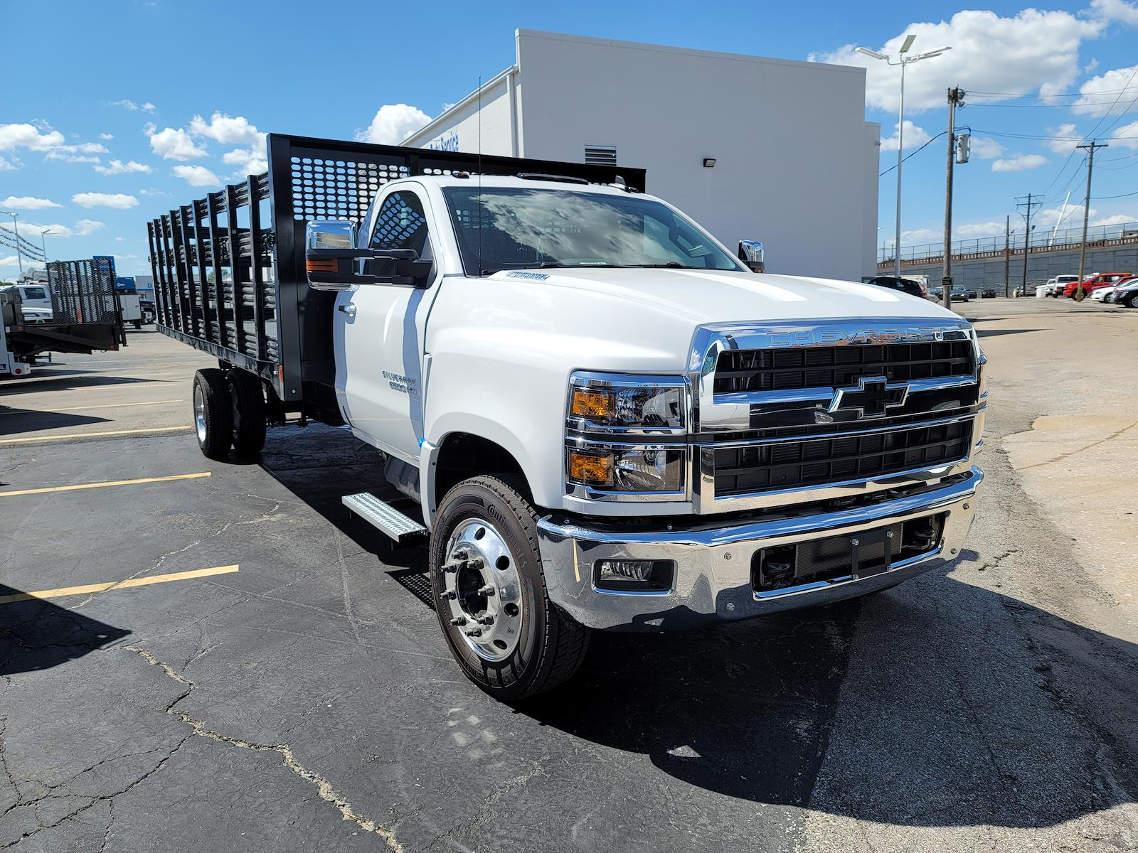 2021 Silverado 6500 Regular Cab DRW 4x2,  CM Truck Beds Stake Bed #C210450 - photo 5
