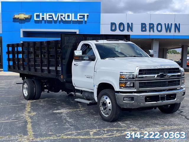 2021 Silverado 6500 Regular Cab DRW 4x2,  CM Truck Beds Stake Bed #C210450 - photo 1