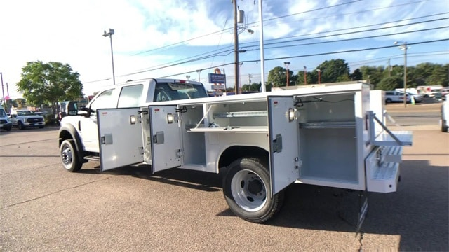 2019 F-450 Crew Cab DRW 4x4, Reading Classic II Steel Service Body #L191148 - photo 3