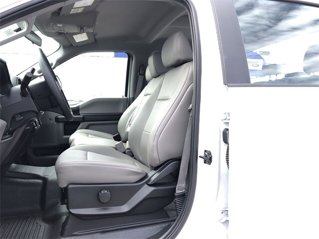 2019 F-350 Crew Cab DRW 4x4, Reading Service Body #L191415 - photo 11