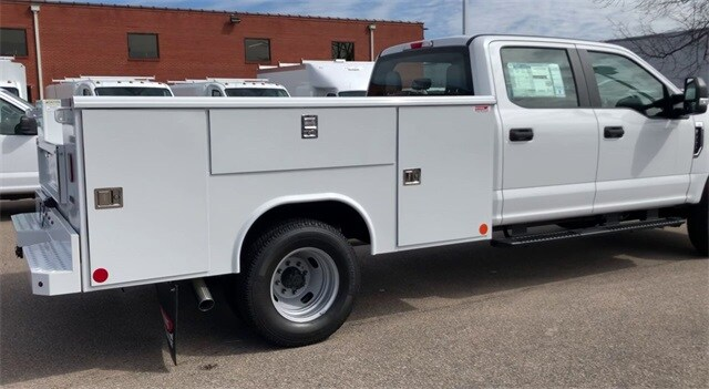2019 F-350 Crew Cab DRW 4x4, Reading Service Body #L191415 - photo 2